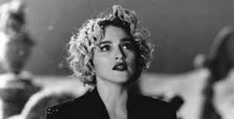 Madonna in un frame del video Oh, Father (1989)