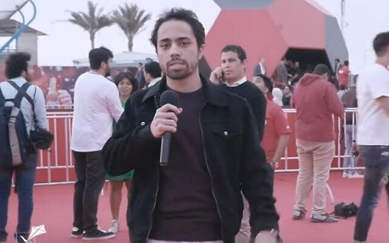 Il comico egiziano Shadi Abu Zaid