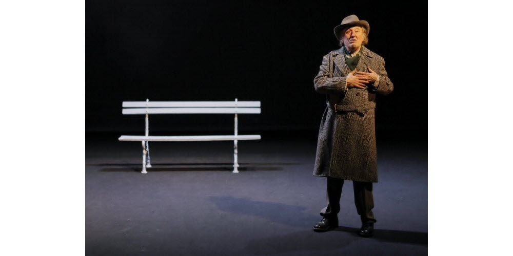 Jean-François Balmer nel «Voyage au bout de la nuit» del Teatro Côte d'or, Dijon, 2004
