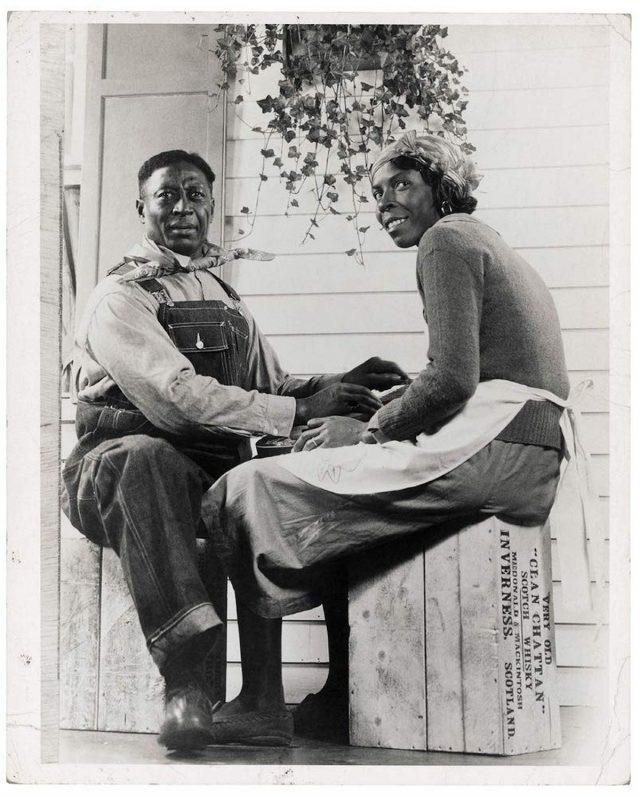 Huddie Ledbetter, «Leadbelly», e la moglie Martha Promise nel 1935