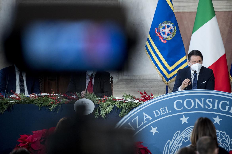 Giuseppe Conte ieri a villa Madama a Roma durante la conferenza stampa di fine anno