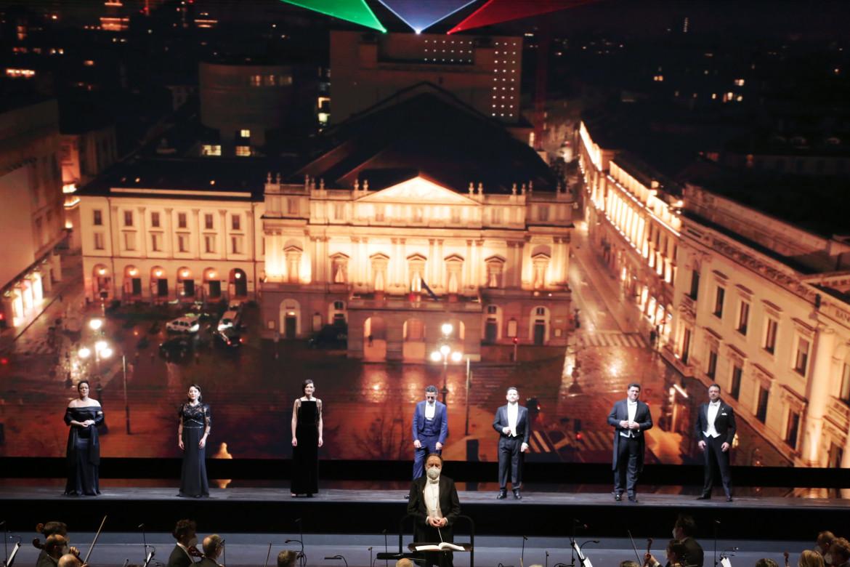 Una scena a A riveder le stelle, il gala della Scala