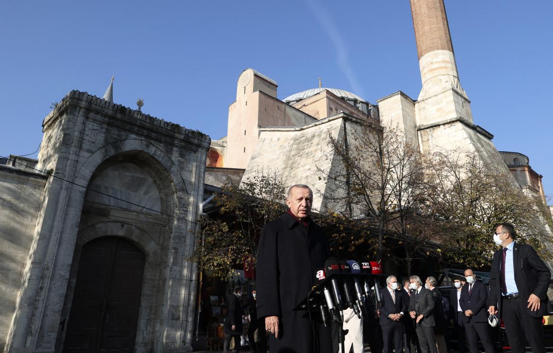 Recep Tayyip Erdoğan dopo la preghiera del venerdì a Santa Sofia