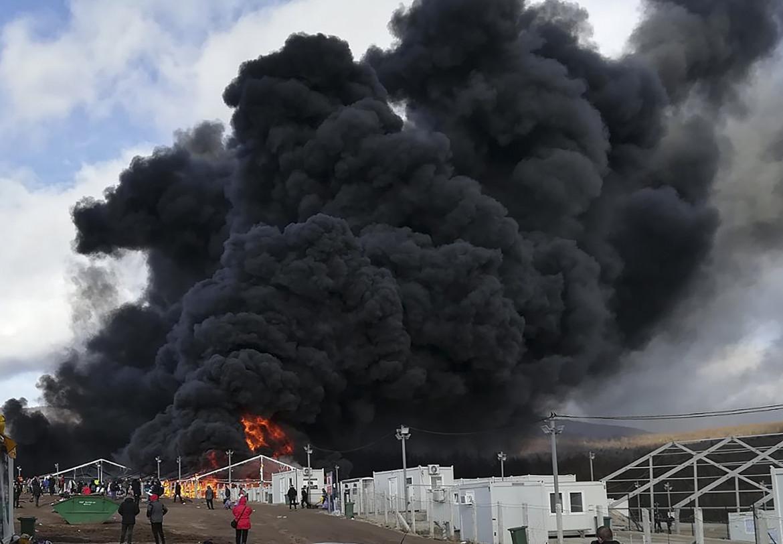 Bosnia, incendio al campo migranti a Bihac