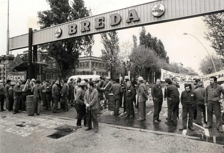 Picchetto operaio alla Breda di Sesto San Giovanni negli anni Settanta. Archivio storico Breda