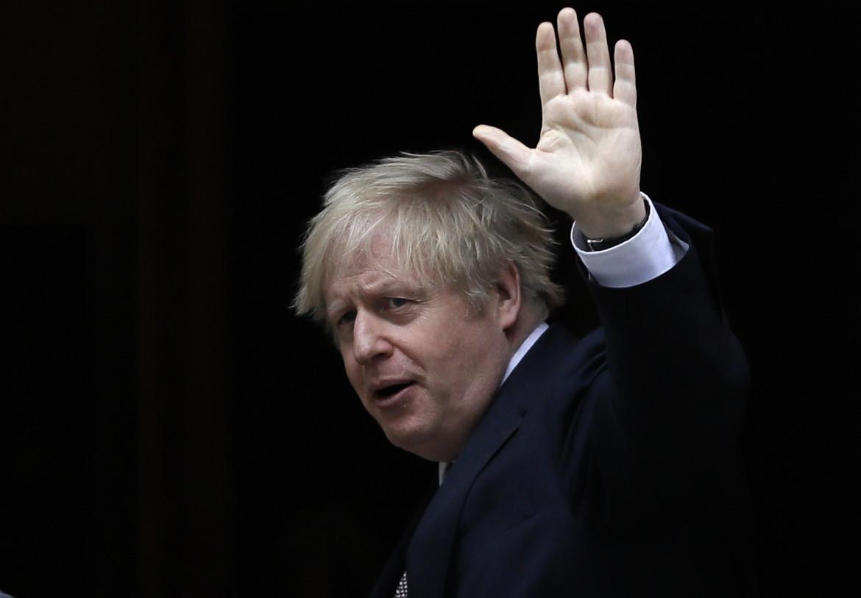 Boris Johnson, in basso Ursula von der Leyen