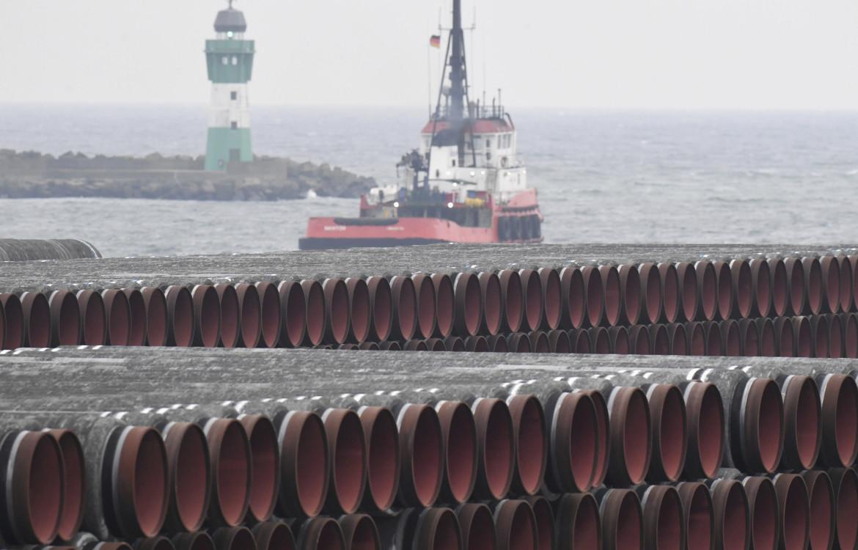 I tubi del gasdotto nel porto di Mukran, sull'isola tedesca di Rügen nel Baltico