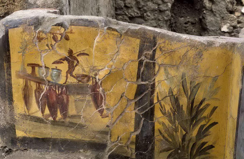 Un particolare del termopolio di Pompei