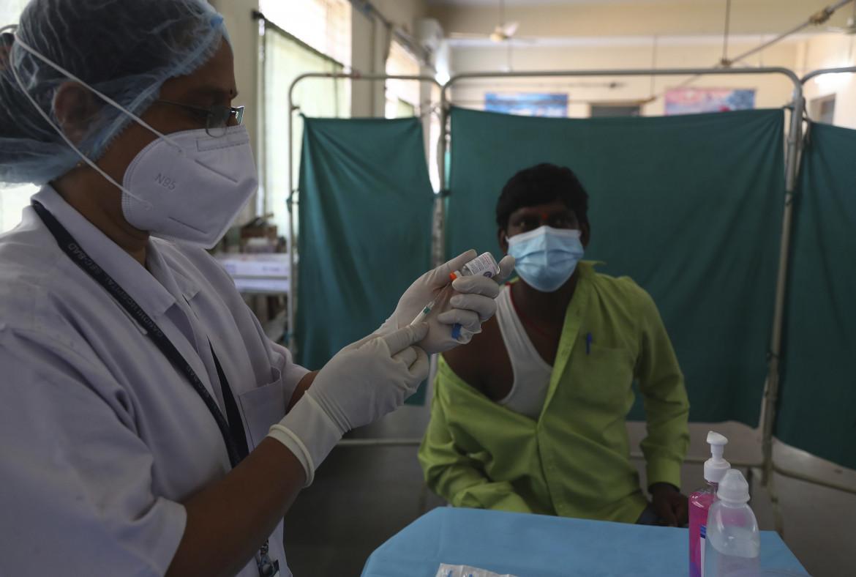Sperimentazione del vaccino a Hyderabad, India