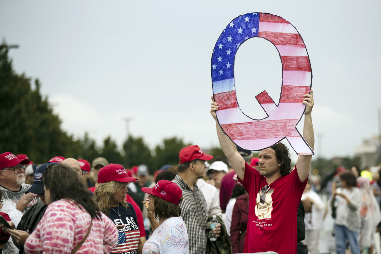 Usa, sostenitori trumpiani di QAnon