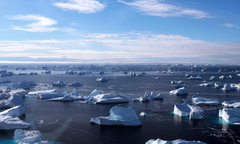 Un iceberg che si sta sciogliendo