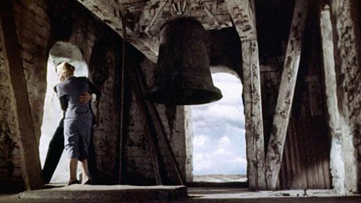 James Stewart e Kim Novak in una scena di «Vertigo» di Alfred Hitchcock