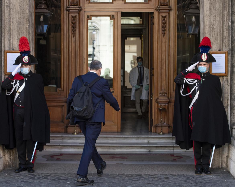 L'ingresso al senato della Repubblica