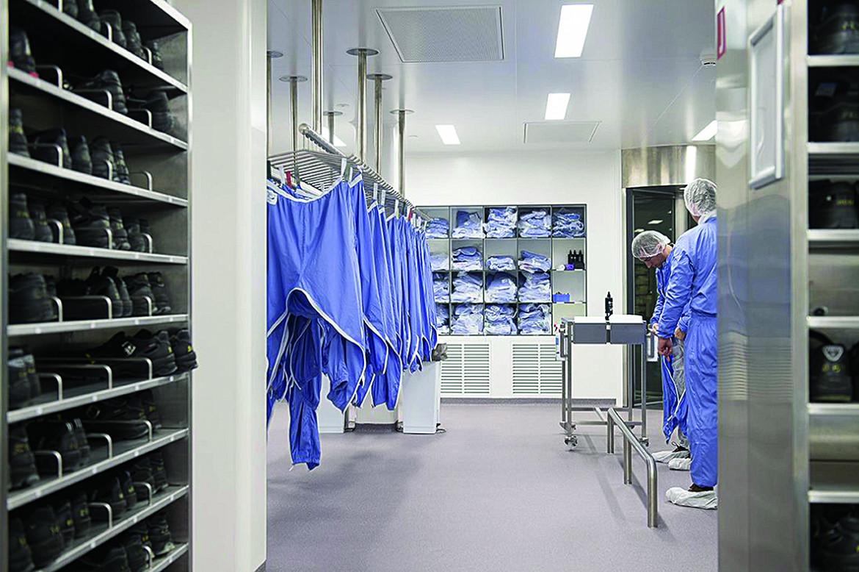 All'interno del laboratorio Pfizer/BioNTech di Puurs, in Belgio