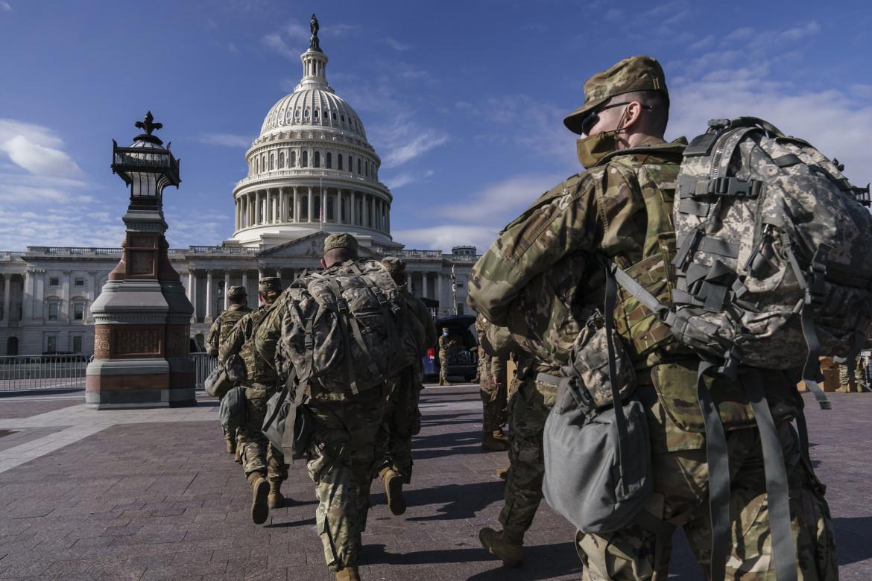 La Guardia nazionale a Capitol Hill dopo l'assalto del 6 gennaio