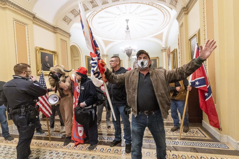 L'assalto dei sostenitori di Trump a Capitol Hill, lo scorso 6 gennaio