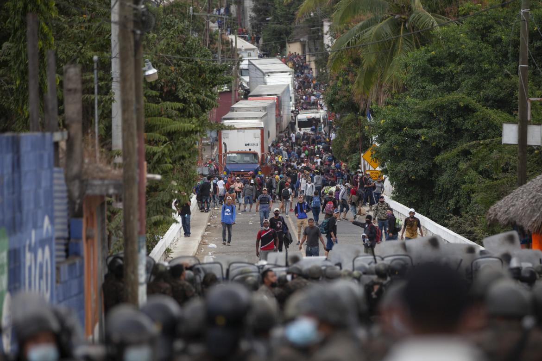 La carovana dei migranti dall'Honduras