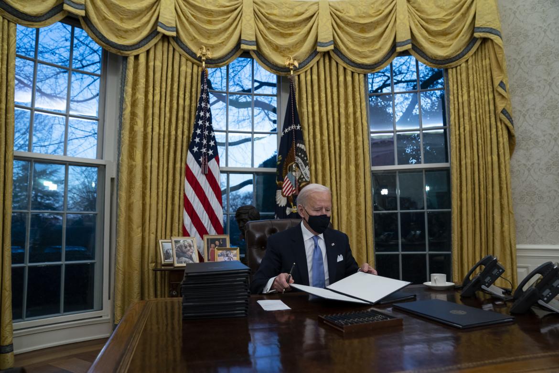 Il presidente Biden nello Studio ovale