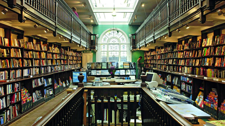 L'interno di Daunt Books Marylebone a Londra