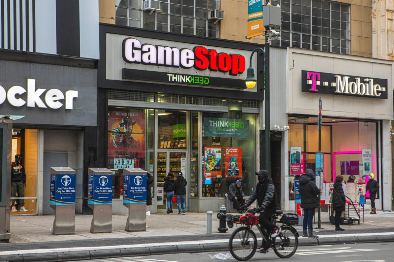 Un negozio di GameStop, venditore di videogiochi, a NewYork