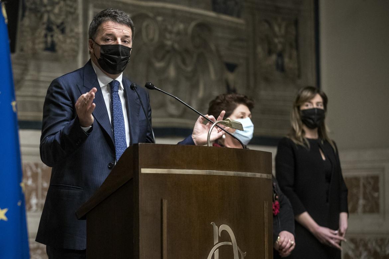 Matteo Renzi dopo le consultazioni alla camera
