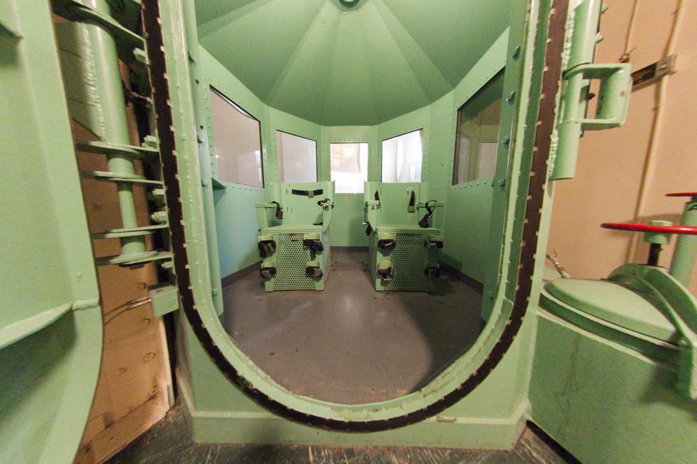 Una vecchia camera della morte nel carcere californiano di San Quentin