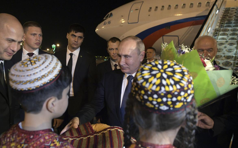 Una visita di Putin in Turkmenistan nel 2019
