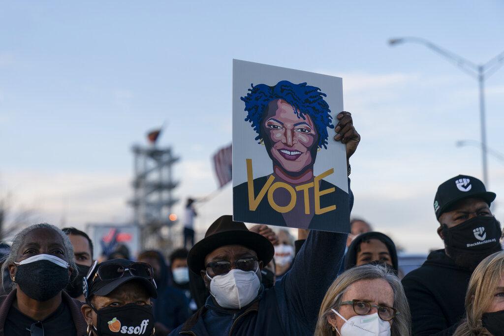 L'immagine di Stacey Abrams, politica democratica che ha portato a Biden i voti necessari a vincere nello Stato
