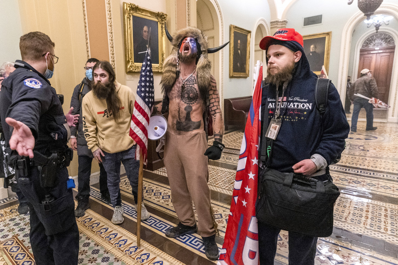 Ultras trumpisti nella sede del Congresso nel pomeriggio del 6 gennaio 2020