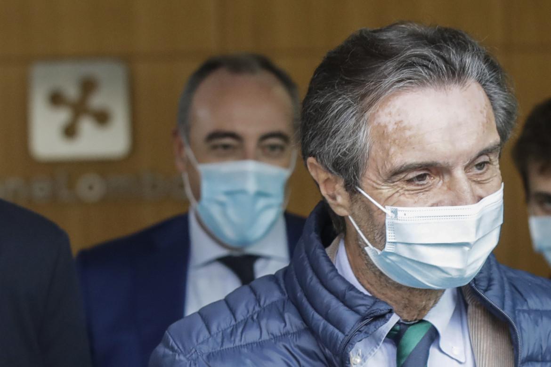 Il presidente della Lombardia Attilio Fontana e l'assessore al Welfare Giulio Gallera, in basso Letizia Moratti