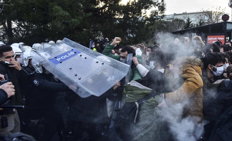 Scontri nel campus di Bogazici tra studenti e polizia