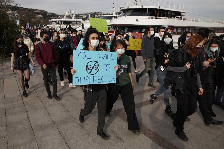 Gli studenti di Bogazici in marcia a Istanbul