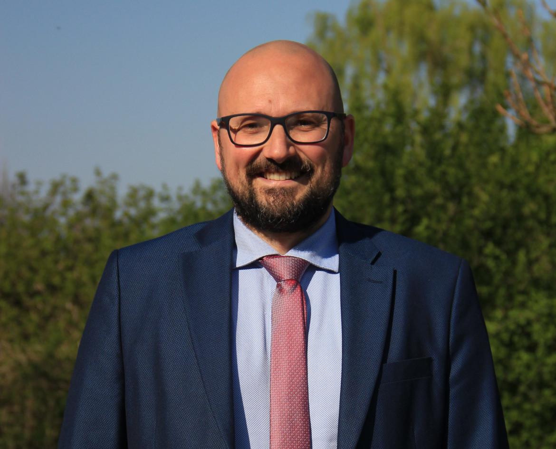 Alfredo Simone Negri, sindaco di Cesano Boscone, comune di circa 23mila abitanti a sud-ovest di Milano