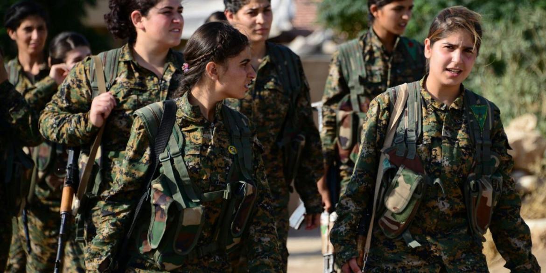 Le combattenti delle unità di difesa femminile del Rojava, le Ypj