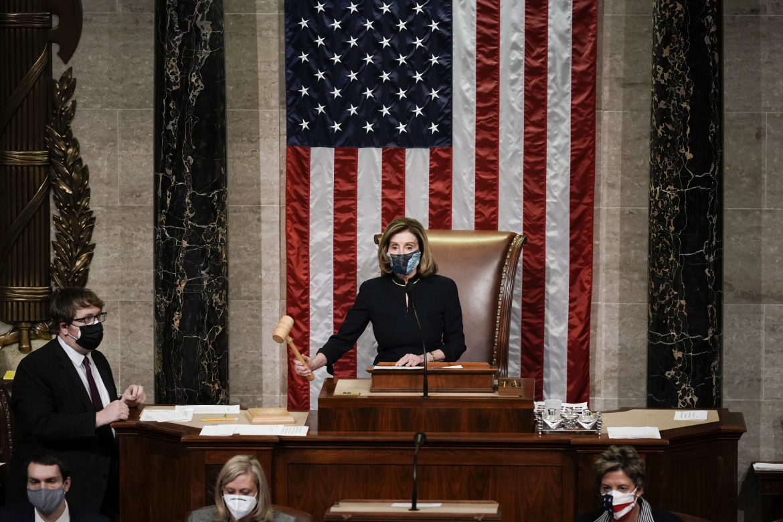 Nancy Pelosi al congresso durante il voto per l'impeachment a Donald Trump