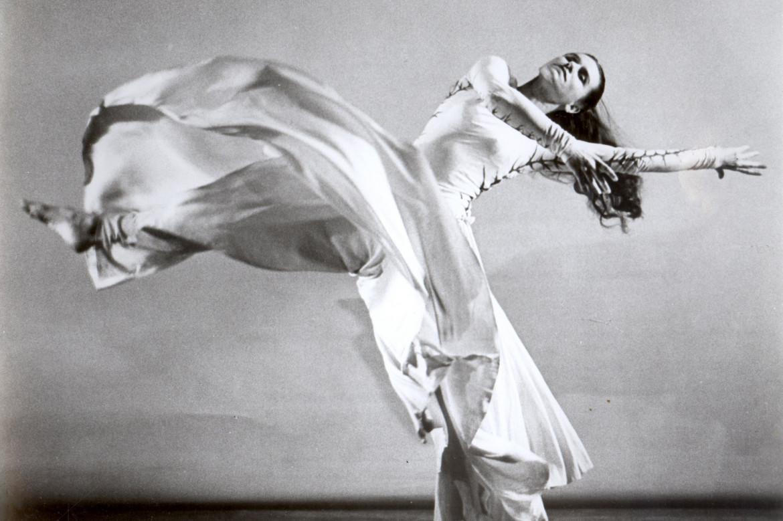Jean Erdman nella «Ophelia» mesa in scena al White Barn Theater nel 1972. Erdman è morta a maggio del 2020, a 104 anni