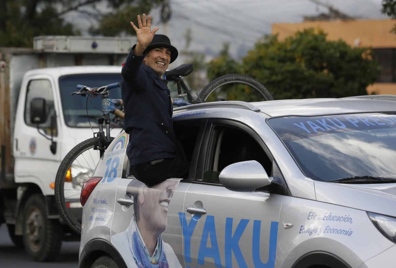Quito, Ecuador. Yaku Pérez, candidato del partito indigeno Pachakutik in campagna elettorale