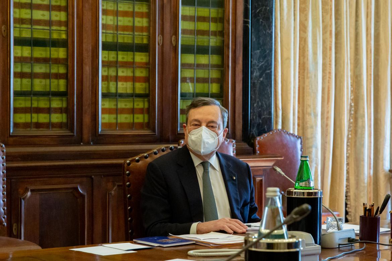 Mario Draghi durante le ultime consultazioni di ieri alla camera