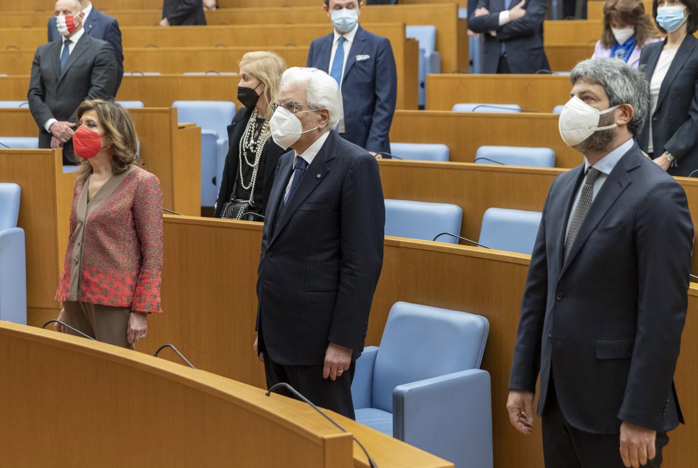 Il presidente della Repubblica Sergio Mattarella e il presidente della Camera Roberto Fico