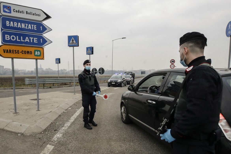 Controlli stradali per le nuove zone rosse in Lombardia