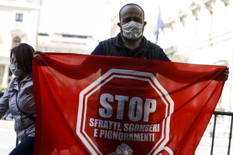 Manifestazione contro sfratti e sgomberi