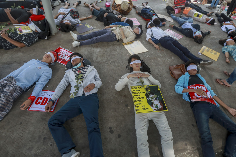 Protesta contro il golpe in Myanmar