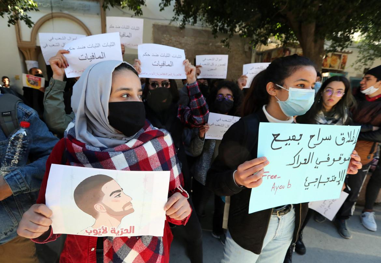 Sit-in a Tunisi: «Rilasciate tutti i detenuti del movimento di protesta»