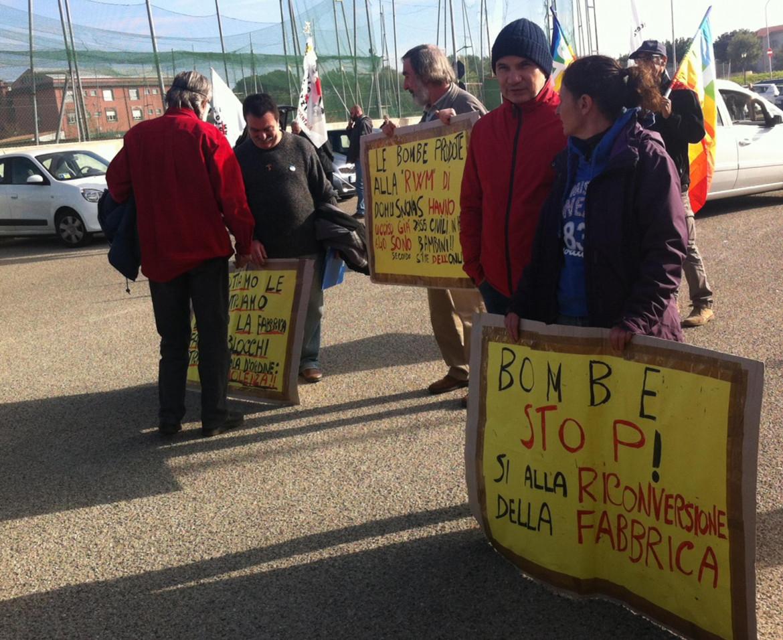 Protesta contro la Rwm per la vendita di armi ai sauditi