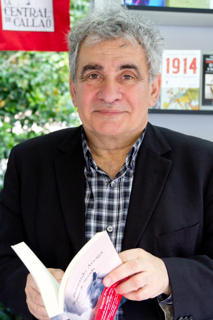 Lo scrittore basco Bernardo Atxaga