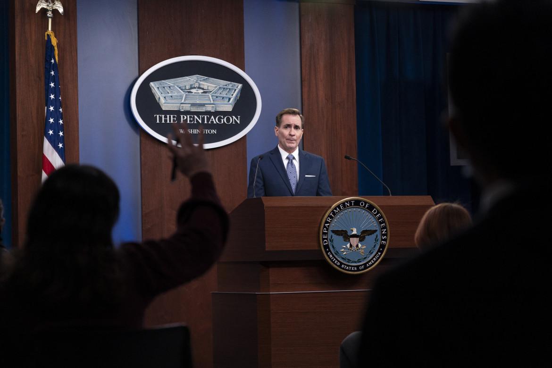 Il portavoce del Pentagono, John Kirby, in conferenza stampa