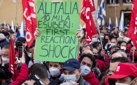 Su Alitalia entra in scena anche Draghi