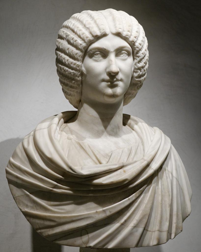 Busto di Julia Domna, fine II-inizi III secolo d.C., Lione, Museo delle Belle Arti, foto di Marie-Lan Nguyen