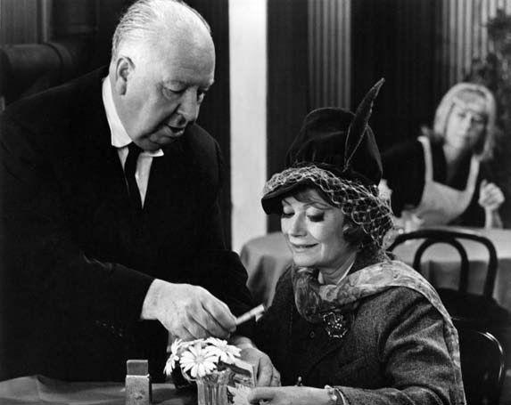 Con Alfred Hitchcock sul set di «Il sipario strappato», 1966