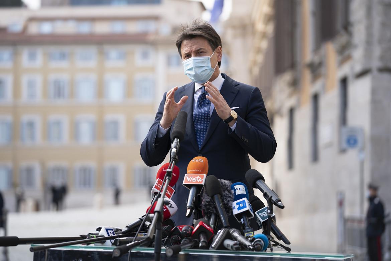 Il presidente Conte a piazza Colonna